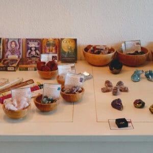 Book tid til fremvisning af sten og krystaller
