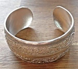 Håndlavet tibetansk sølv armbånd