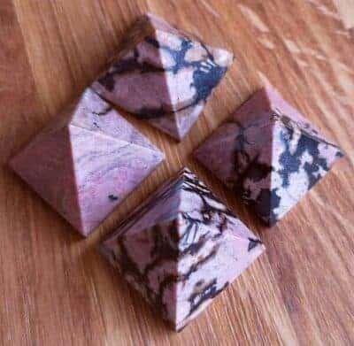 Rhodocrosit pyramide ca 2,8 cm