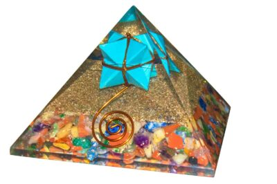 7 Chakra Orgon Pyramid med tyrkis Merkaba stjerne 6-7 cm