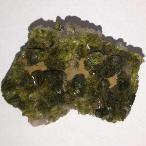 Epidot på matrix af bjergkrystal