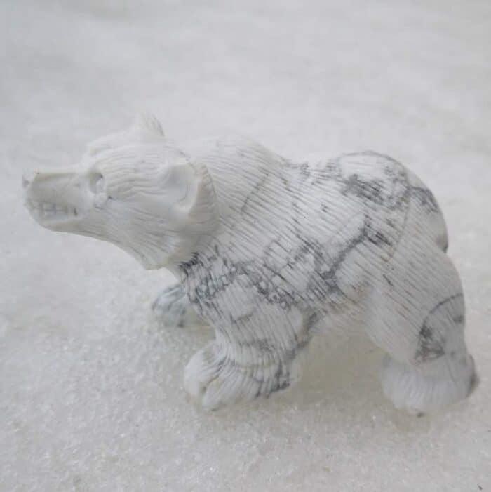 Isbjørn designet i Hvid Howlit